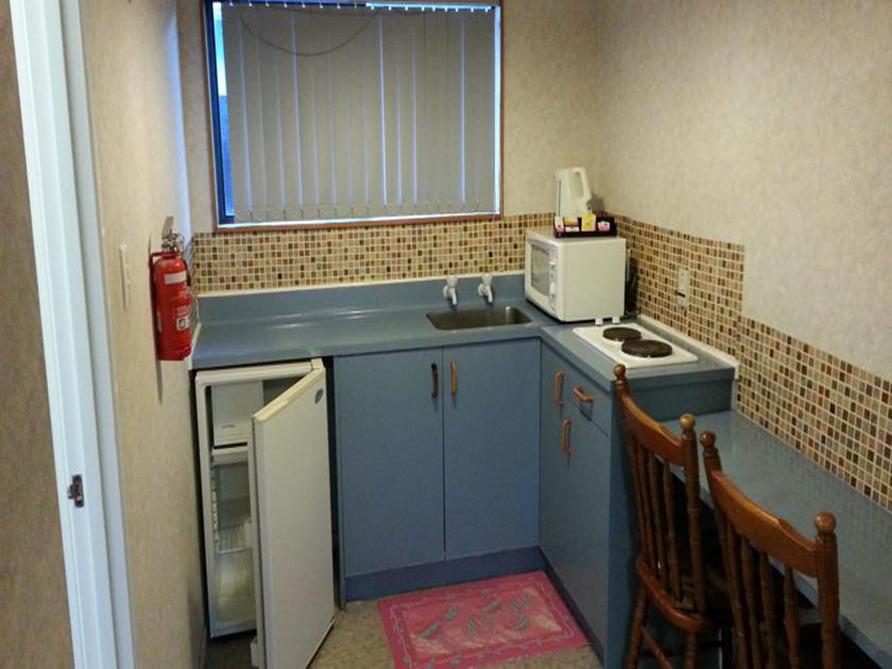 Papakura Crusoe's Motel Kitchen